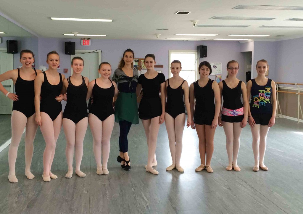 With students after ExtraPirouette seminar – New Dance Workshop, Jamison, Pennsylvania.